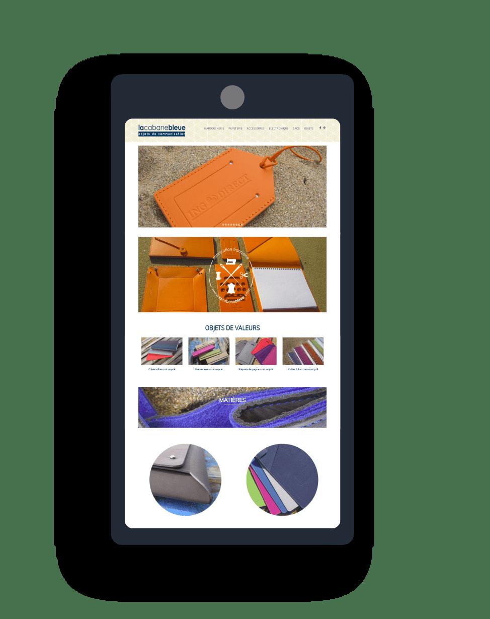 mockup smartphone pour le site la cabane bleue